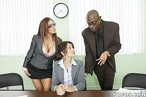 Glasses-wearing Latina MILF gets destroyed by a BBC after the meeting