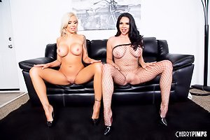 Killer curves brunette Latina gets it on with a thick blonde MILF